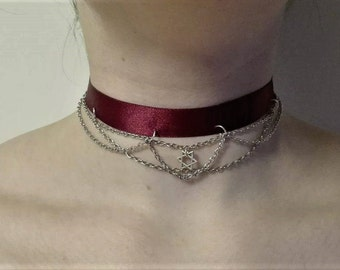 Red ribbon chain choker