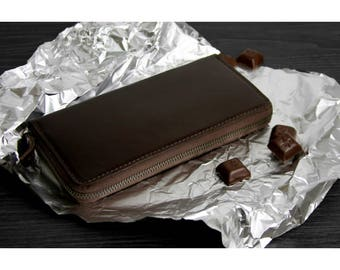 Leather wallet with zipper, colour chocolate brown