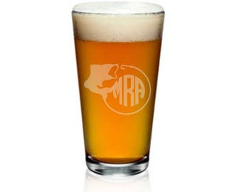 Custom Beer Glass, Monogram Pint Glass, Etched Pint Glasses, Pint Glass, Groomsmen Pint Glasses, Monogrammed Pint Glass, Etched Beer Glass