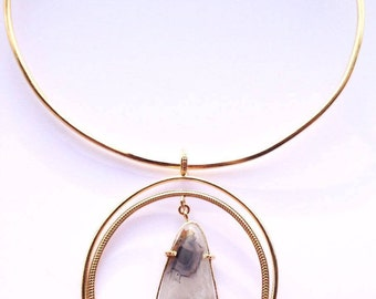 Choker gold plated with a long Brown Agate stone.