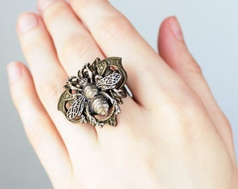 Antiqued Bee Ring - Steampunk Costume Jewelry