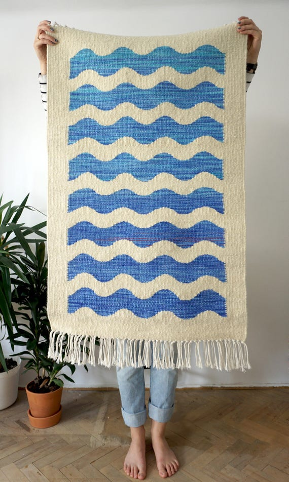 Waves | Handwoven kilim made of recycled wool | MADE TO ORDER