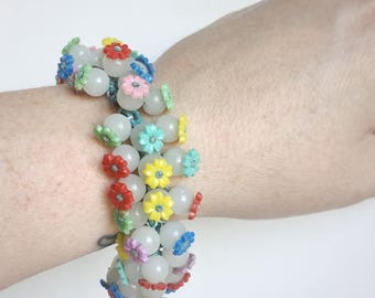 Floral Beaded Bracelet - Flowers in Red, Blue, Green, Yellow, Lavender, Pink, Cloudy White Glass Beads - 40s Vintage - Green Verdigris Chain