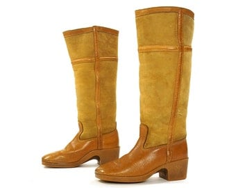 70s Shearling Lined Campus Boots / Vintage 1970s BASS Knee High Tall Brown Suede Hippie Boho Bohemian Winter Boots / Women's Size 7.5