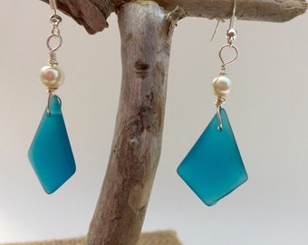 Sea Glass Earrings ~ beach glass jewelry ~ seaglass earring ~ Teal diamond shaped blue glass earrings ~ silver earrings ~ Hawaiian earrings