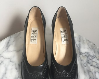 Alexa - Awesome Black Leather Wingtip Pumps. Size 5.5 - 5 1/2