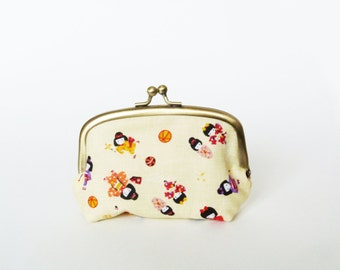 Coin purse, cream Japanese girls fabric, cotton pouch