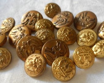 Lot of 19 VINTAGE Gold Metal & Metalized Plastic Eagle BUTTONS