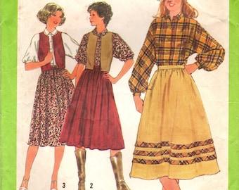 1970s Simplicity 8582 Vintage Sewing Pattern Misses Skirt, Blouse, Reversible Vest Size 10 Bust 32-1/2, Size 12 Bust 34