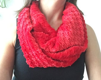 Winter Infinity Scarf, Red Houndstooth