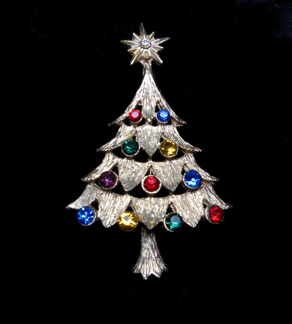 Vintage RHINESTONE Pin CHRISTMAS TREE Brooch Gold Winter Holiday Old Jewelry Gift