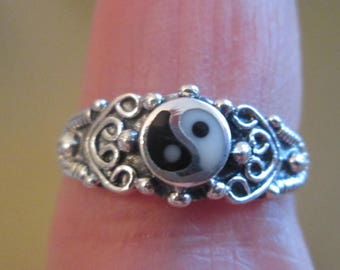 RING -  Ornate - YIN and YANG  - 925 - Sterling Silver - Size 8 - Misc473