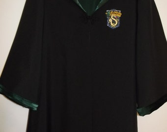 Slytherin Robe, Harry Potter inspired, size 6/8 with wand