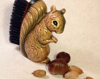 Vintage 1950s Squirrel Figurine - Vintage Clothes Brush - Kitsch Novelty Brush