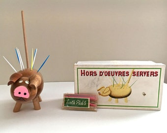 Vintage Pig Appetizer Server Hors D'Oeuvres Server Standard Specialty Wood Pig Toothpick Holder