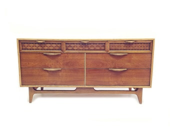 Vintage Lane Perception Lowboy In Wood