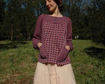 Size Large... Vintage 1960s Shirt... Big Front Pockets... Purple Argyle Print
