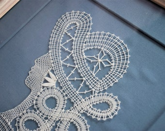 ANTIQUE BOBBIN LACE Silhouette Lady Picture Thread Work Woman Figural Face Head Shoulder Bust Hat White Wood Frame Blue Sew Weave Textile