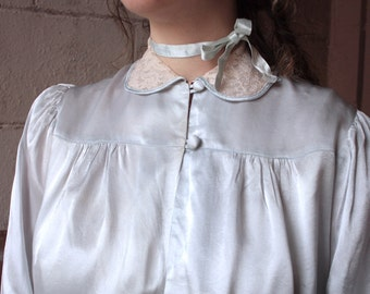 Vintage 1940s Lingerie Blouse // 30s 40s Ice Blue Crepe Back Satin Bed Jacket with Lace Collar // Billow Sleeve Blouse // DIVINE