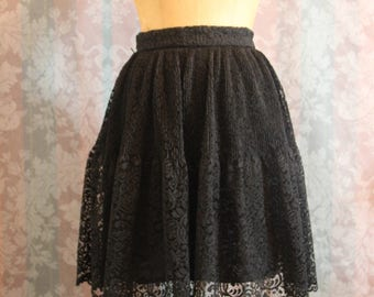 Sz XS-S Vintage Black Lace Skirt with Lining