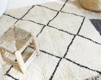 Small BENI OUARAIN RUG - Vintage Moroccan Wool Rug