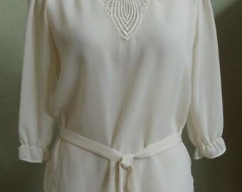 "Vintage Jessica Jones Elbow Length Semi-Sheer Cream Blouse Decorative See-Thru Neckline Lace Embellishment Bust 37"" Waist 36"""