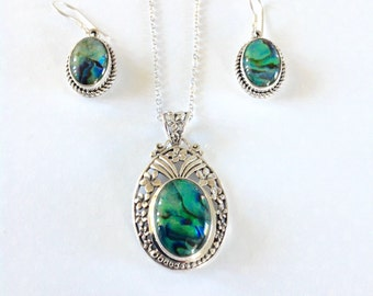 Abalone necklace and earrings,Abalone earrings and necklace, abalone jewelry set, Pearl Necklace, green womens, gift for her, mom gift