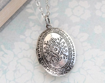 Oval Locket Necklace Antique Silver Etched Floral Pendant Vintage Style Photo Picture Keepsake Jewellery Mementos Secret Hiding Place
