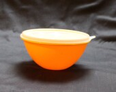 Vintage Tupperware 70's gold Wonderlier bowl 234-19, lid 227-23