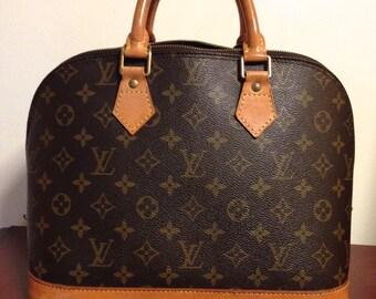 Stocktake Sale // Vintage authentic Louis Vuitton Monogram Alma Bag // Classic + Functional