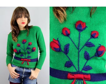 60's EMBROIDERED Sweater Vintage HAND KNITTED Rosebuds Bouquet Pullover // Vintage Sweaters by TatiTati Style on Etsy