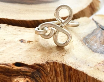 Wire ring, Silver ring, Bridesmaid gift, Statement ring, Hammered Ring, Bridesmaid jewelry, Knot ring, Silver wire ring, Loop ring