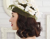 Vintage Green Net Hat with Fabric Daisy Flowers and Velvet Bows