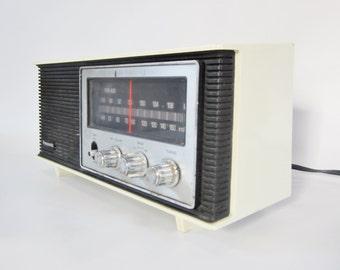 Vintage 1970s Panasonic RE-6283 Radio AM FM Radio Korea
