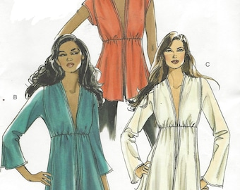 Womens Tops or Tunics Deep V Neckline Sleeve Variations OOP Vogue Sewing Pattern V8153 Size 6 8 10 12 Bust 30 1/2 to 34 UnCut
