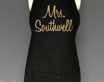 Personalized apron. Custom monogrammed apron for a Bride, teacher or anyone who loves to cook! New Bride gift. House warming gift. Aprons