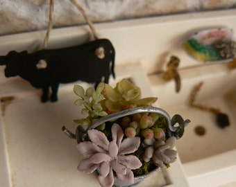 Metal Cube with Cactus - Dolls - Miniatures - Dollhouse
