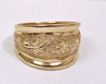 Sale! Vintage Diamond Cut Wide Band 10K Yellow Gold Ring, .50 inches Wide, Cigar Band, Wedding