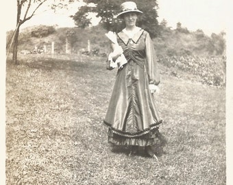 """Vintage Photo """"Old-Fashioned Girl"""" Victorian Dress Straw Hat Pretty Girl Found Vernacular Photo"""