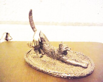 Stretching cat ring dish,ring holder, ring caddy, vintage ring dish kitten kitteh silver tone unusual