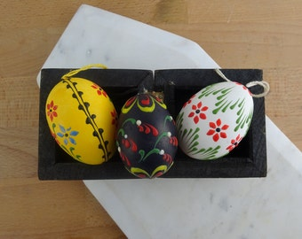 Set of 3 Vintage Hand Painted Easter Eggs   Real Eggshell   Vintage Easter Decor   Hanging Easter Ornaments