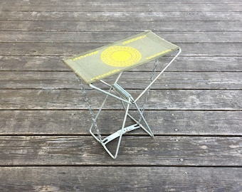 Vintage Metal Camp Stool - Army Green Canvas - Yellow Tribal Arrows