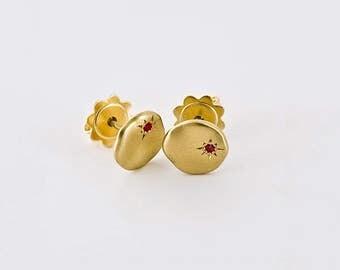 Star Ruby Earrings, Gold Nugget Stud Simple Earrings, 18k Yellow Gold Organic Earrings, 18k Solid Gold Stud, Minimal Earrings