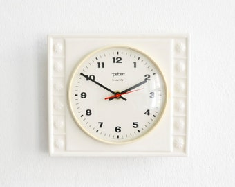 Vintage Peter wall clock, Peter clock, white pottery clock, Ceramic kitchen clock 60s Ref: 437