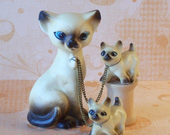 Small Vintage Victoria Ceramics Siamese Cat with Kittens on Chains