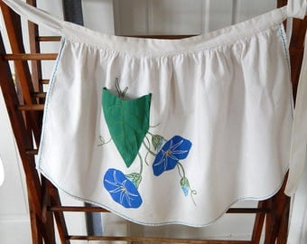 Vintage Apron Morning Glory Flower Embroidered Applique. Vintage Kitchen Cooking Wall Decor.