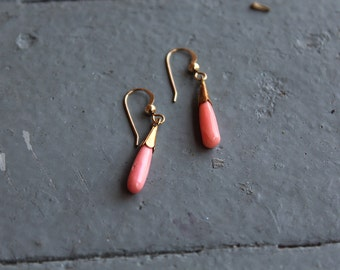 Vintage Angelskin Coral Gold Fill Earrings // Pink Coral Earrings // Genuine Coral Drop Earrings // Gold Fill Coral Dangle Drops // N126