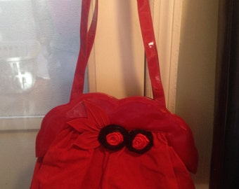 New Old Stock - Vintage 80s Handbag in Red with Rose Appliques