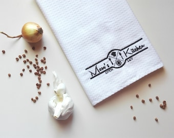 Mother's Day Gift / Kitchen Towel / Waffle Towel / Tea Towel / Personalized Towel / Monogrammed Towel / Hand Towel / Embroidered Towel