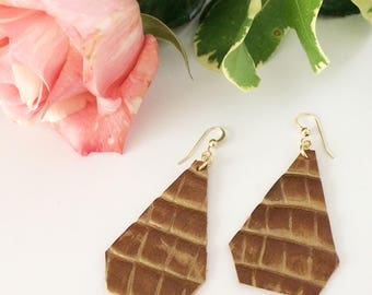 Leather earrings, brown leather earrings, embossed leather, neutral earrings, summer earrings, summer accessory, geometric earrings